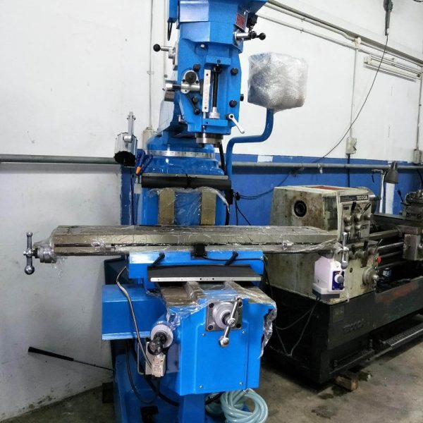Tech 5KIV Milling Machine